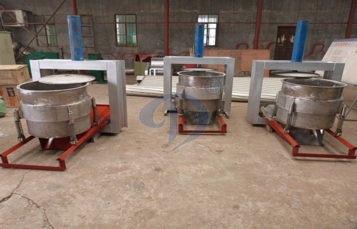 What's the difference between three-column centrifuge and garri presser?